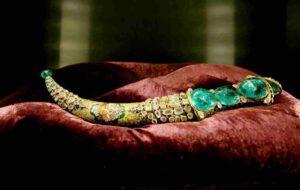 Topkapi Emerald Dagger